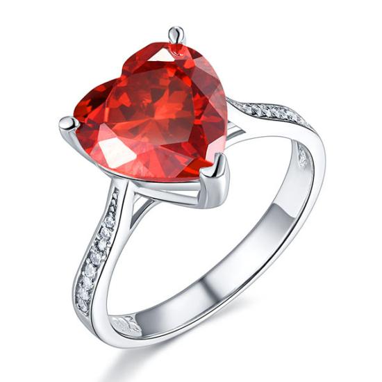 Ezüst gyűrű piros szintetikus gyémánt kővel