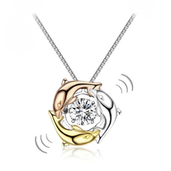 """Ezüst nyaklánc,delfin alakú """"táncoló"""" szintetikus gyémánt medállal - 925 ezüst ékszer"""