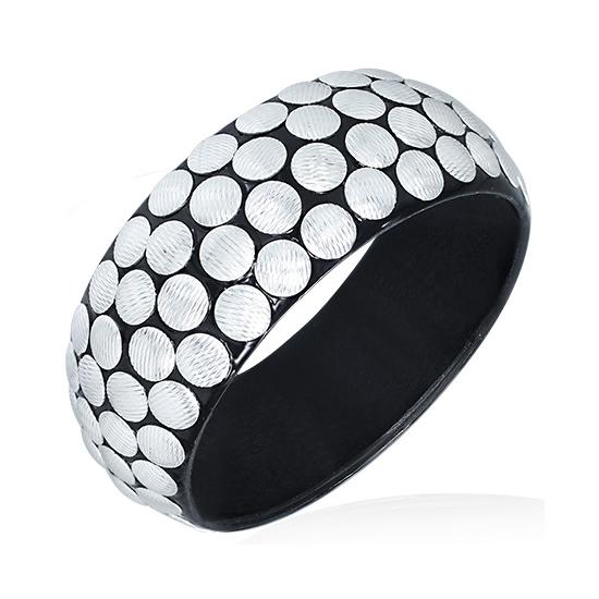 Fekete színű divatos karkötő, ezüst kör alakú dísszel