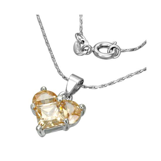 Ezüst színű nyaklánc, szív alakú cirkónia kristály medállal