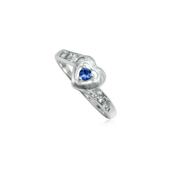 Szív alakú ezüst gyűrű sötétkék cirkónia kristállyal